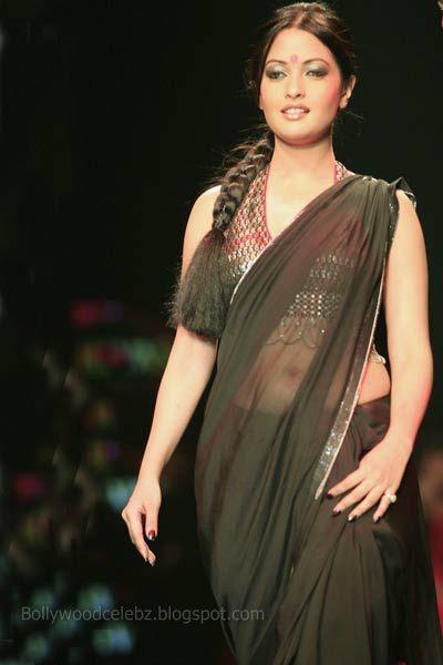 Cash 4 Sc >> Riya Sen | Gadgetgamingzone's Blog